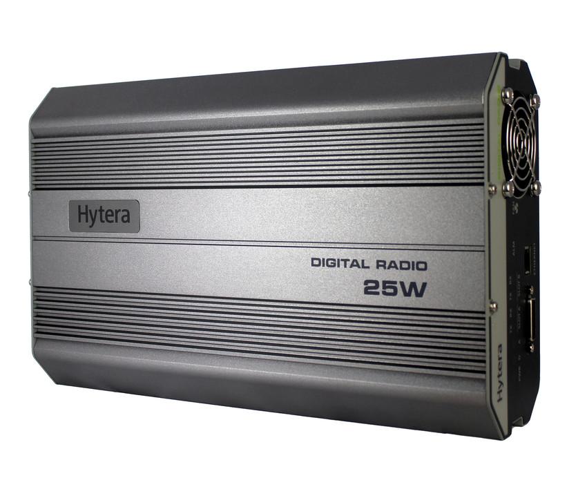 Digitální převaděč Hytera RD625