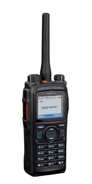 Vysílačky Hytera PD785 má kvalitní a velký TFT displej