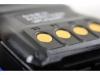 Pohled na nabíjecí kontakty Hytera PD795Ex