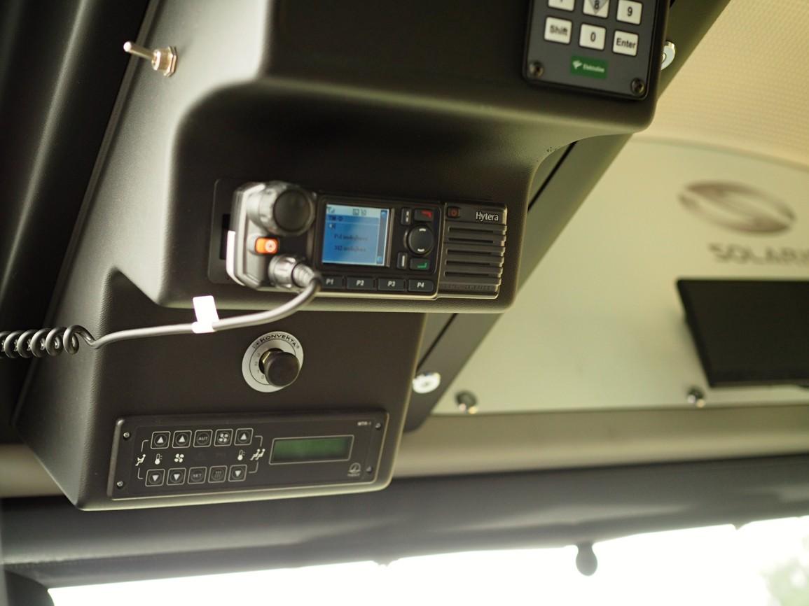 Vozidlová radiostanice Hytera MD785 ve voze MDP Opava