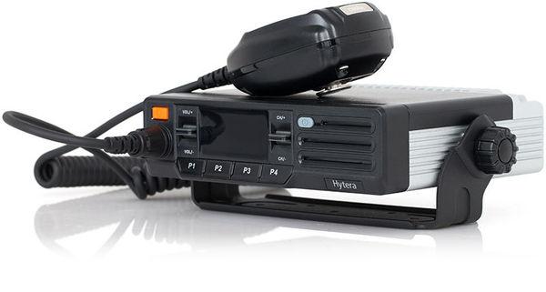 Moderní digitální vysílačka Hytera MD615
