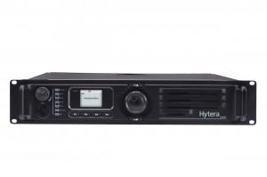DMR převaděč Hytera RD985