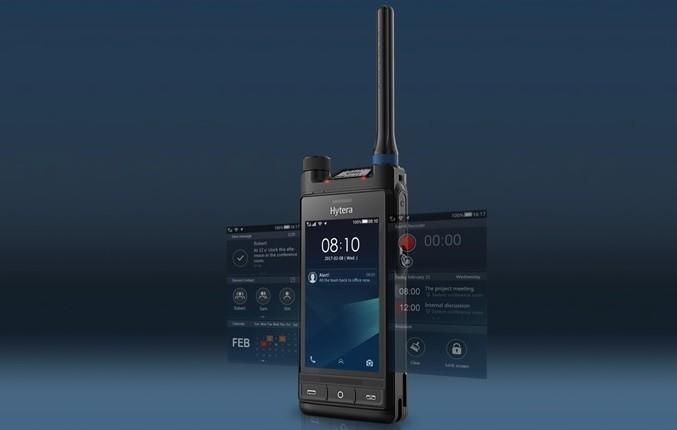 Radiostanice Hytera PD760 integruje systém LTE DMR nebo TETRA