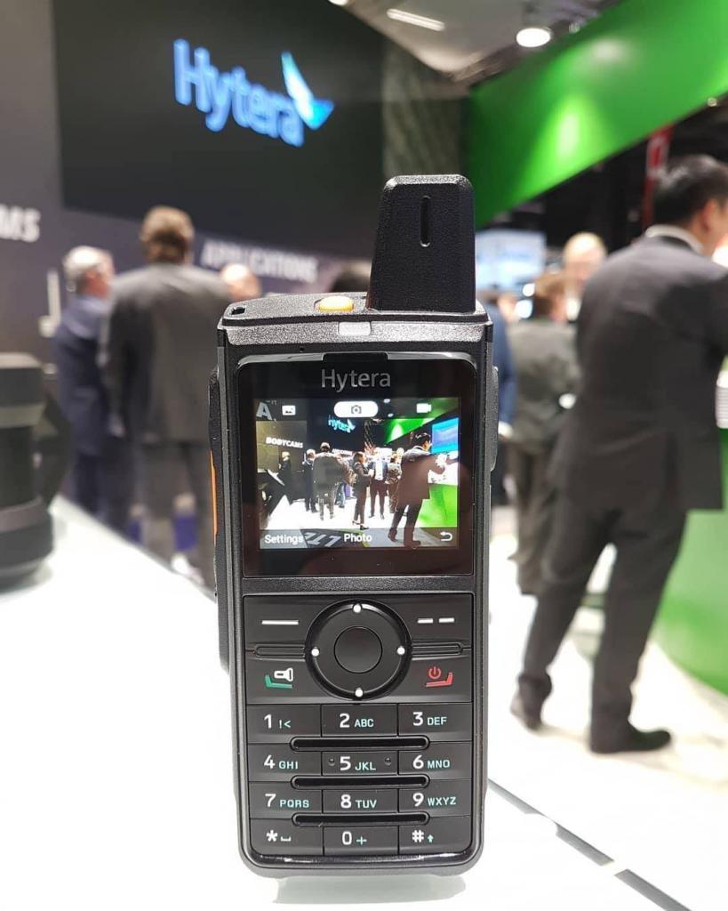 PoC vysílačky Hytera PNC380 plní požadavky MIL-STD-810G