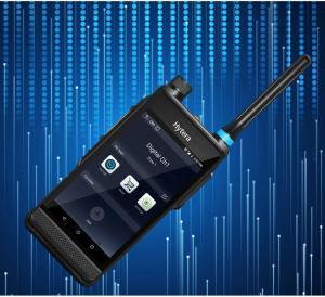Chytrá vysílačka Hytera PDC550 spojuje výhody PoC technologie a digitální DMR radiostanice